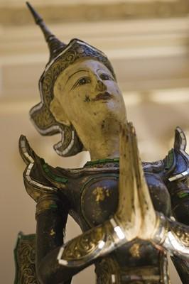 Thai statue watching over Bunja Thai